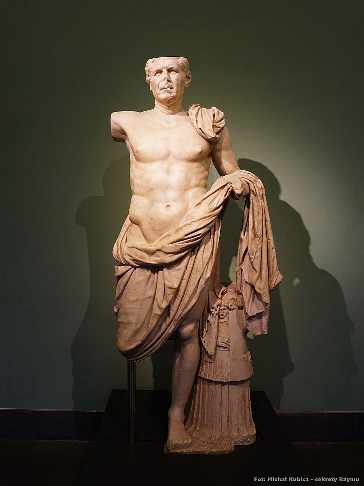 Posąg rzymskiego wodza