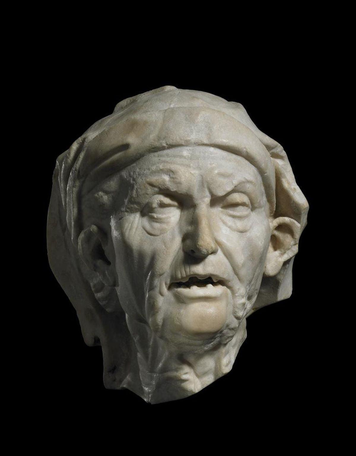 Marmurowa głowa starej kobiety