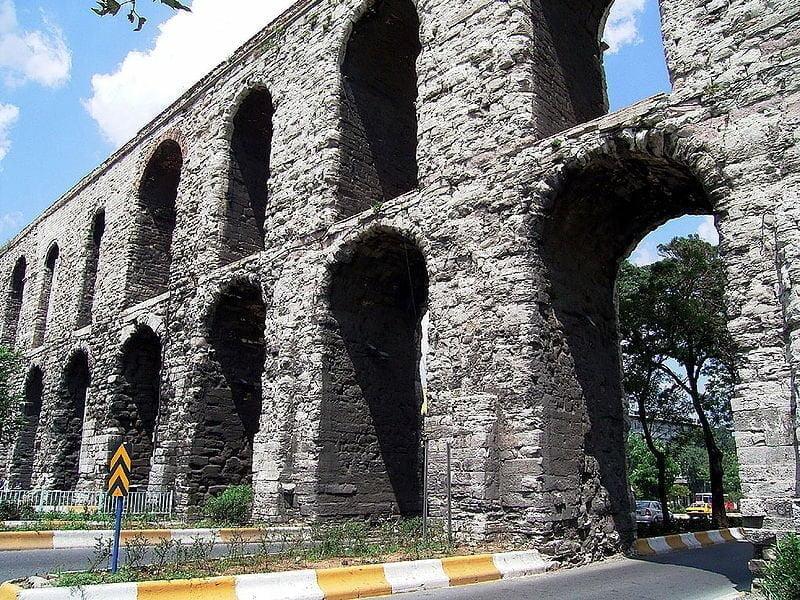 Akwedukt Walensa w Konstantynopolu