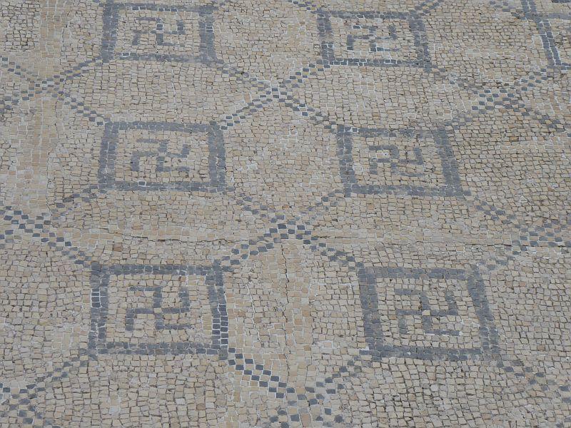 Mozaika z Domu swastyki w Conimbriga