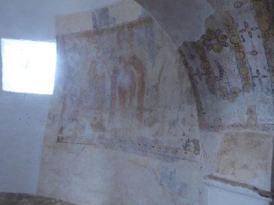 Piękne malunki na ścianach na parterze willi w Sao Cucufate