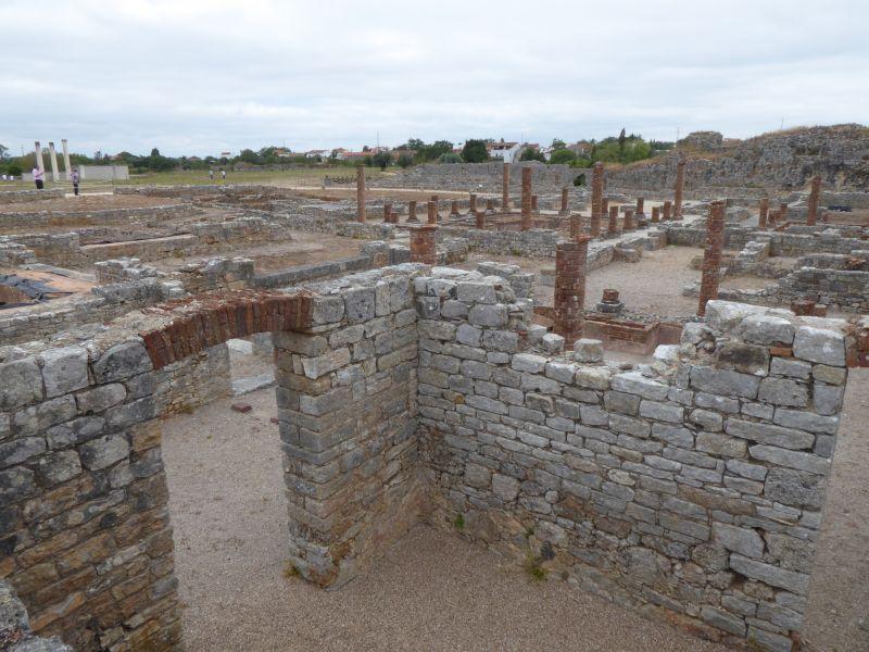 Widok na pozostałości Conimbriga