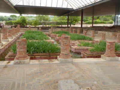 Pozostałości rezydencji artysokraty z fontannami