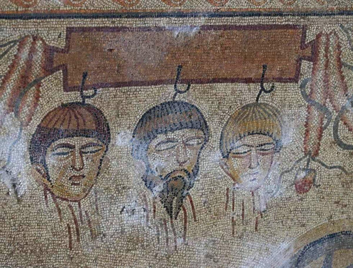 Detal z mozaiki ukazujący mit o Hippodameji