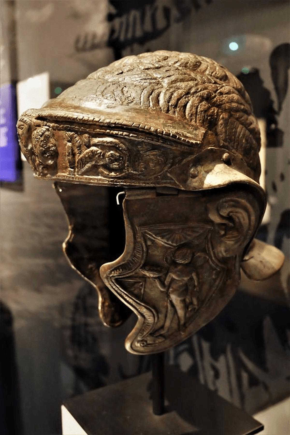 Hełm rzymski należący do jeźdźca