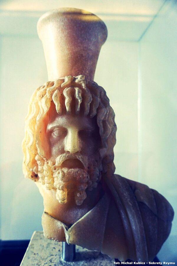 Serapis' head