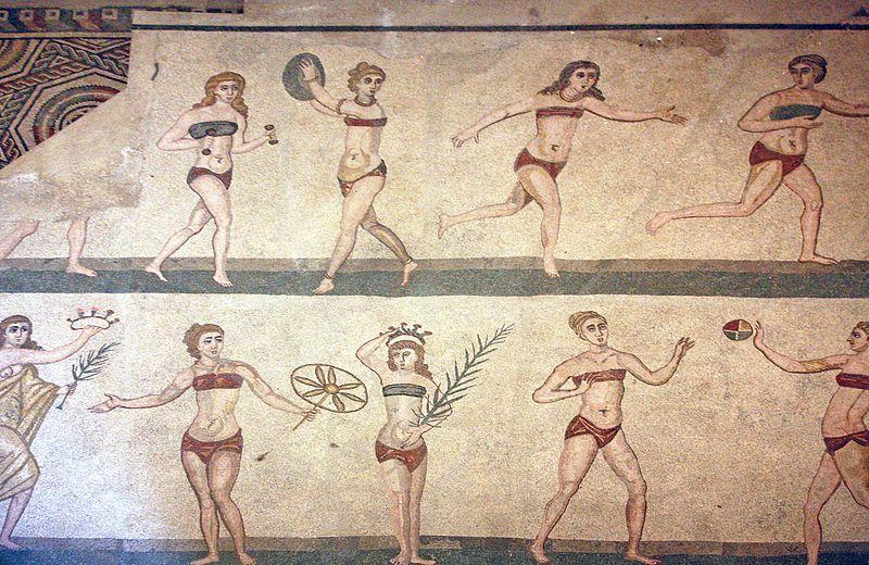 Kobiety w bikini w Villa Romana del Casale na Sycylii