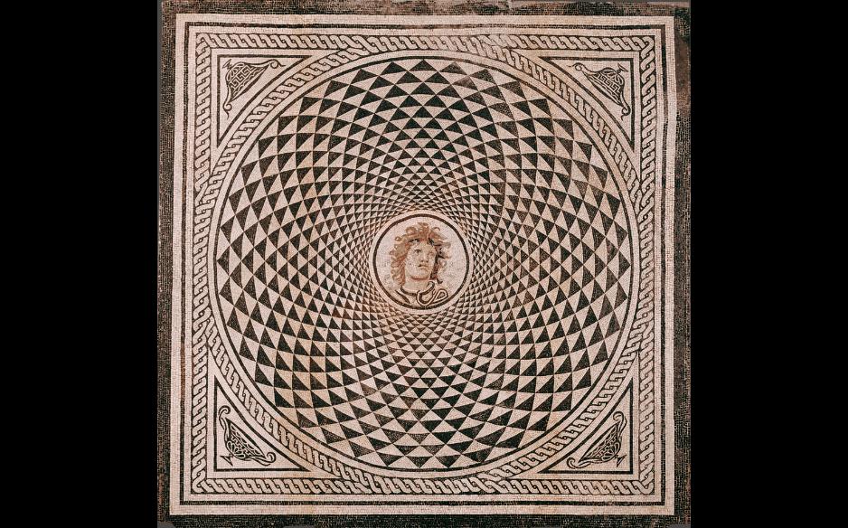 Mozaika podłogowa z głową Meduzy, The J. Paul Getty Museum