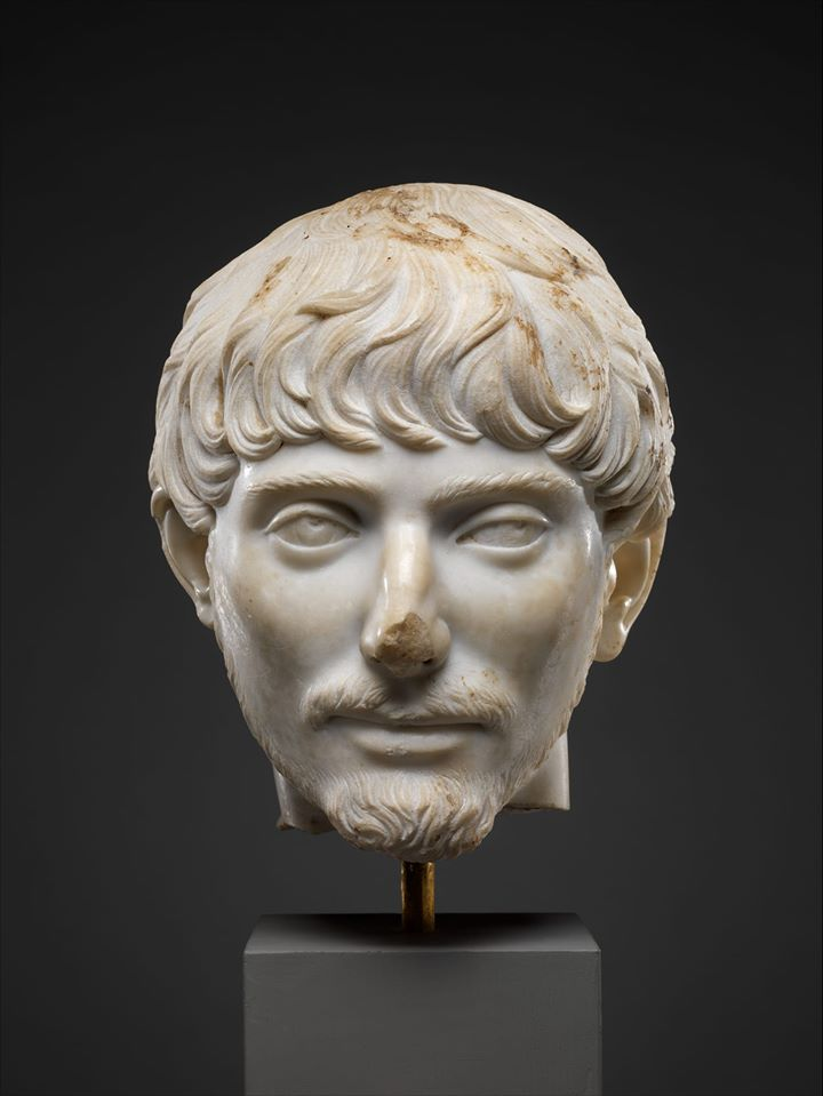 Głowa młodego Rzymianina z krótką brodą