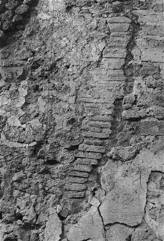 Damage after the earthquake in 62 CE