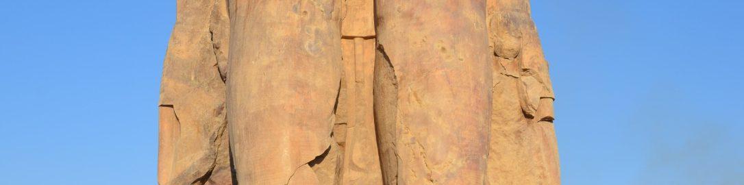 Kolos Memnona i inskrypcje