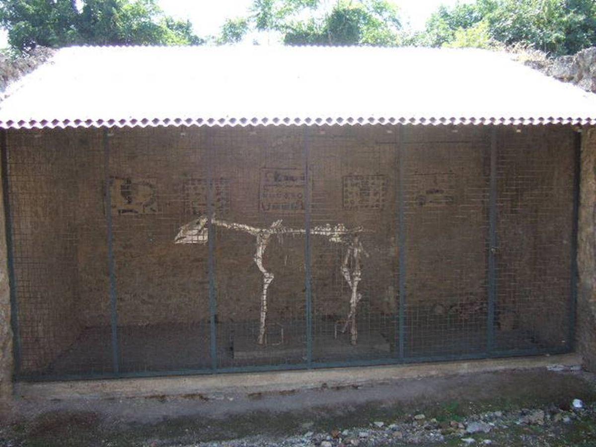 Exhibited horse skeleton in Pompeii