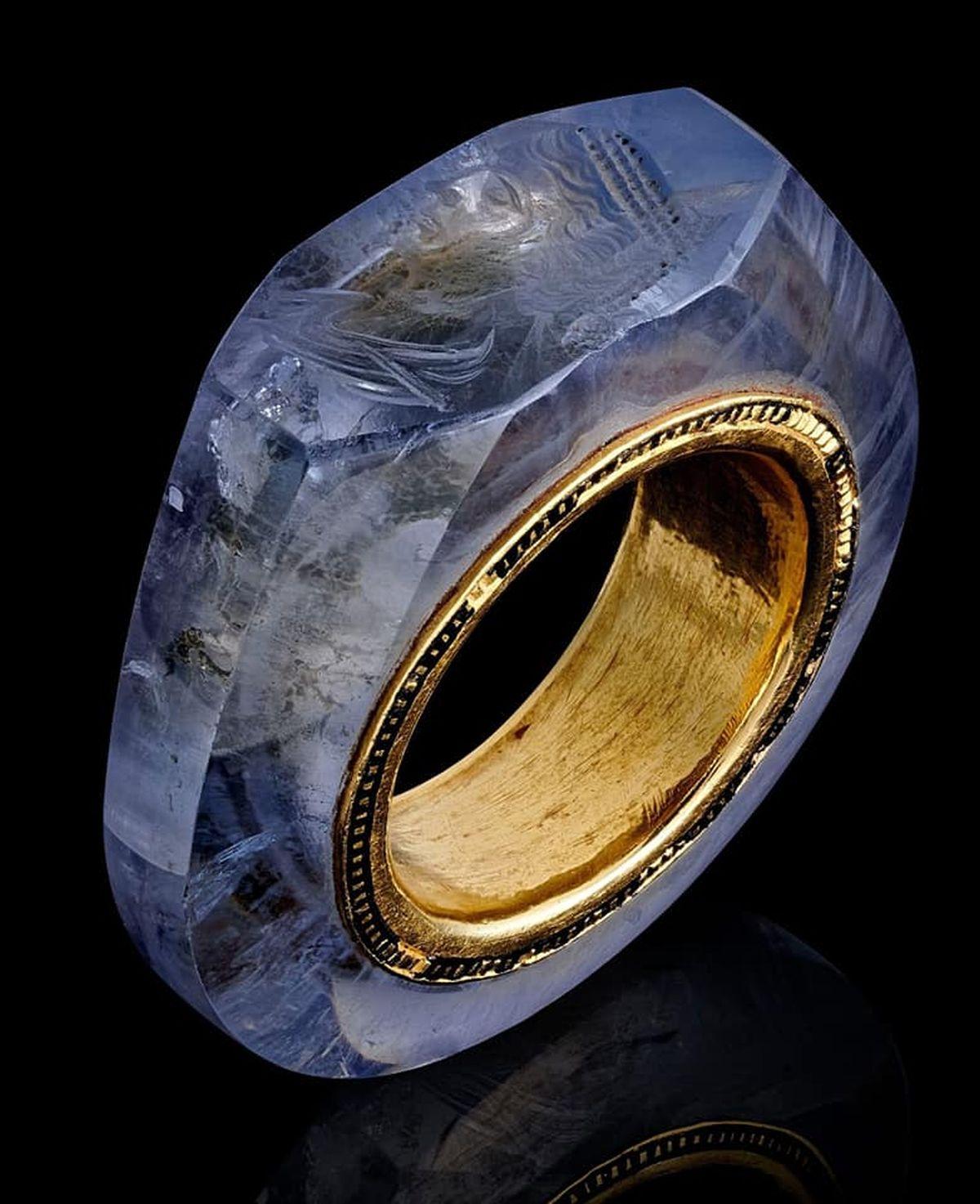 Rzymski szafirowy pierścień