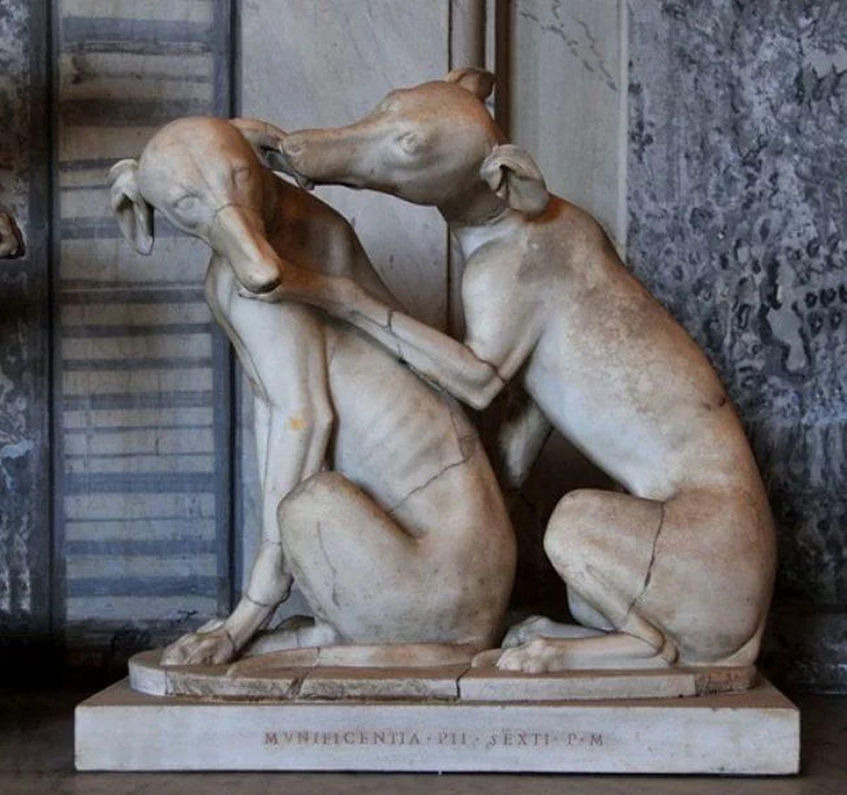 Rzymski posąg chartów