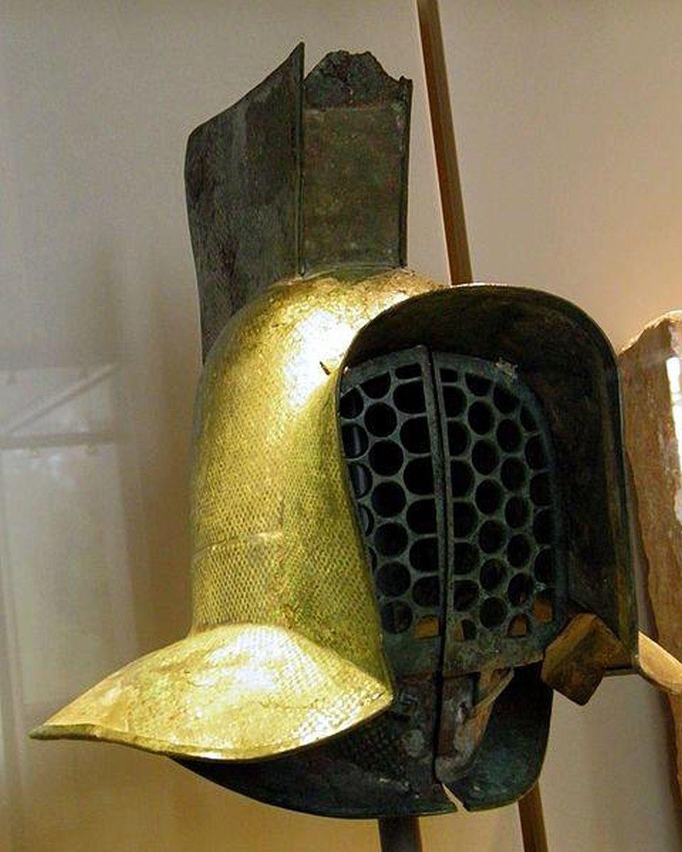 Helmet of murmillo