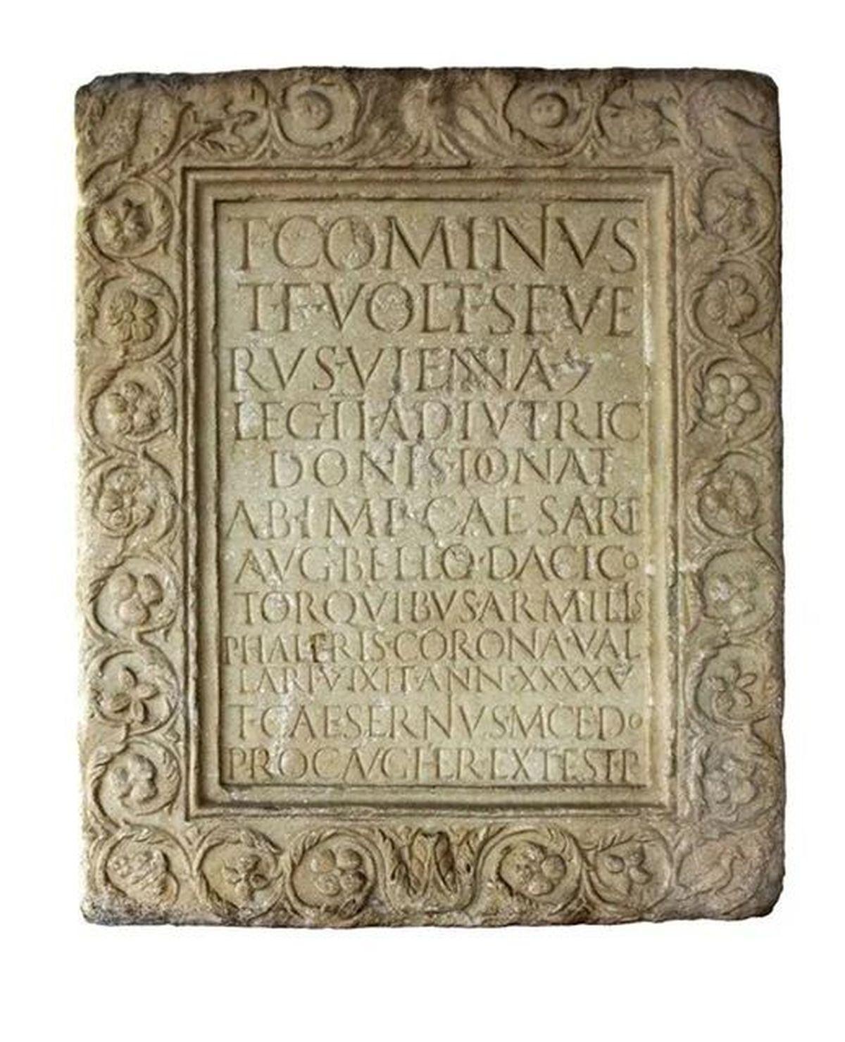Nagrobek centuriona Tytusa Kominiusza Sewera
