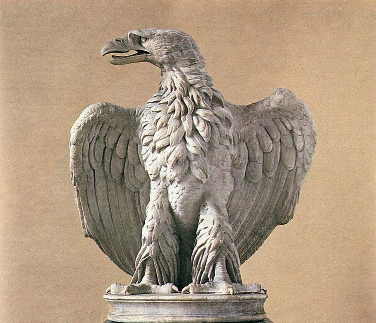 Pięknie zachowana rzymska rzeźba orła