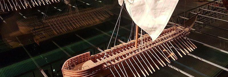 Penteconter ship model