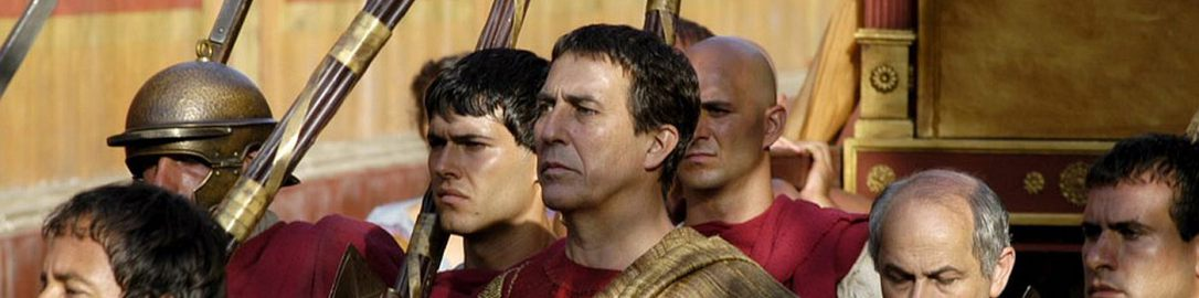 Julius Caesar and the lictors in the series Rzym