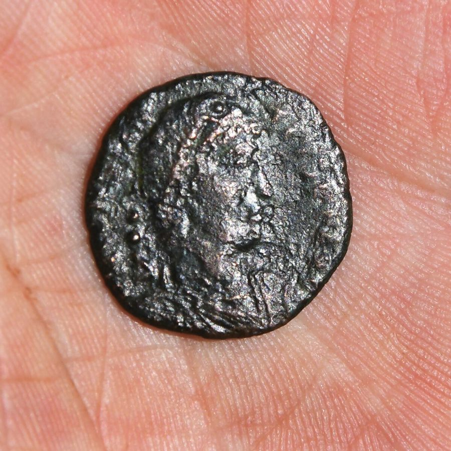 W Słowacji odkryto rzymską monetę z IV wieku