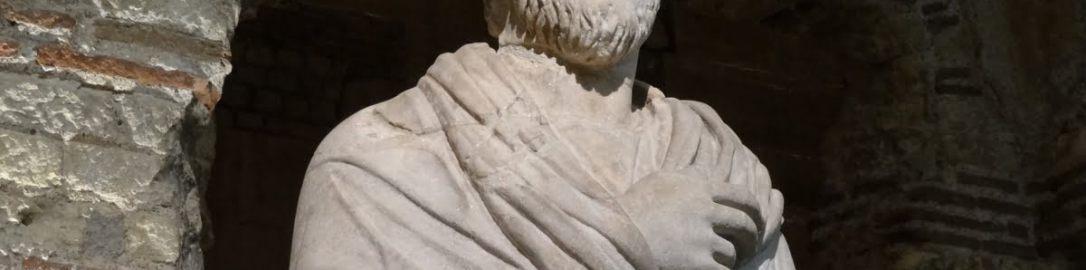 Rzeźba kapłana; dotychczas uważano że to wizerunek Juliana