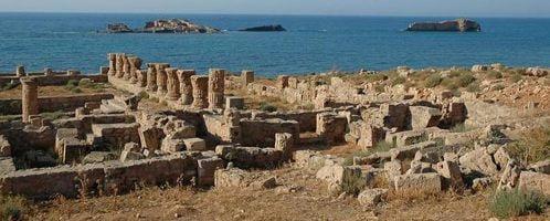 Ruiny łaźni na stanowisku archeologicznym w Apollonii