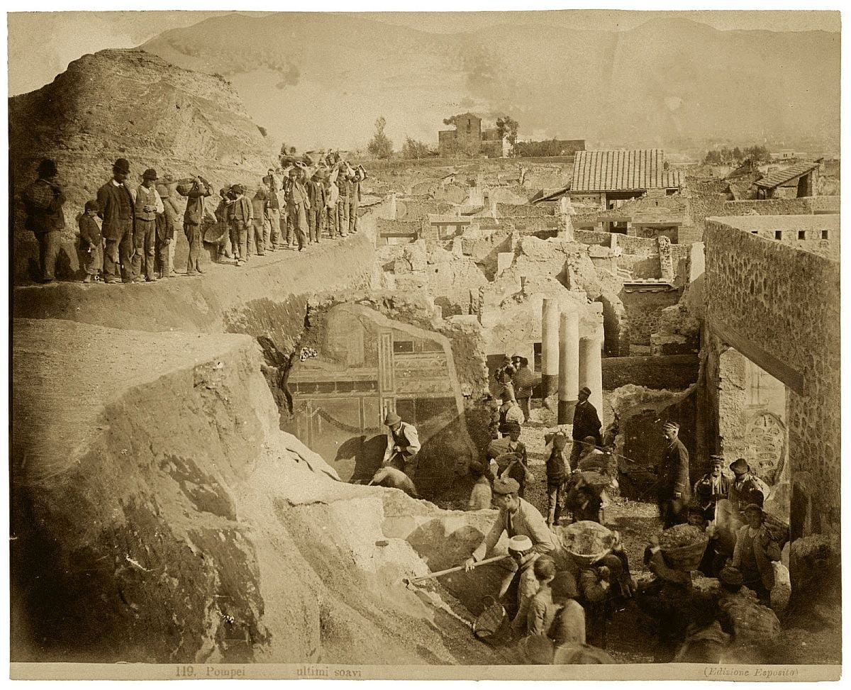 Excavations in Pompeii at the end of the 19th century