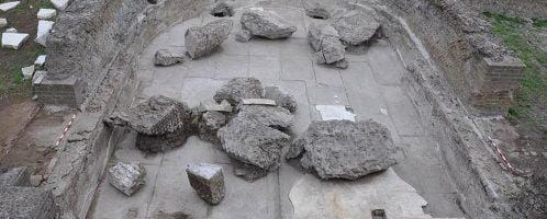 Półokrągła izba w willi Hadriana