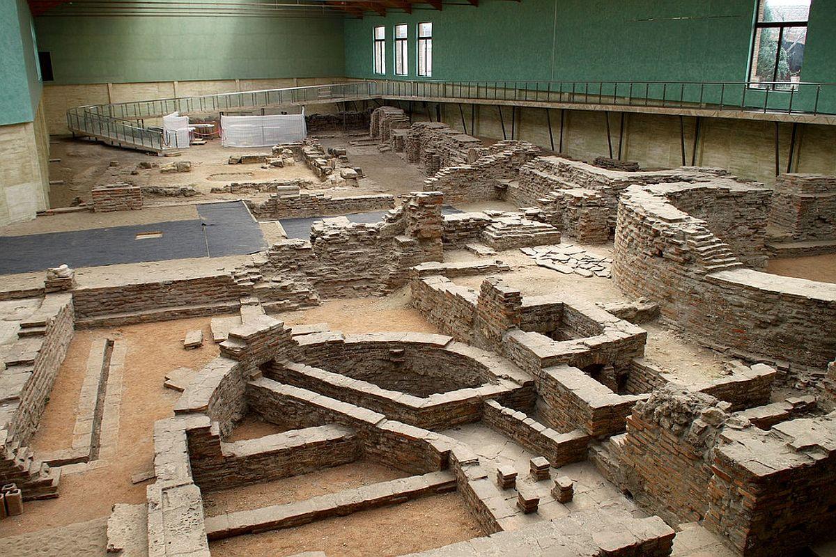 Ruiny pałacu cesarskiego w Sirmium nad Sawą