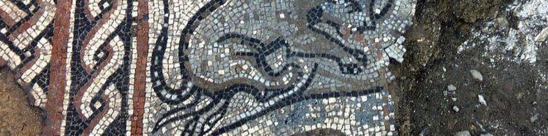 Rzymska mozaika ukazująca lamparta atakującego antylopę