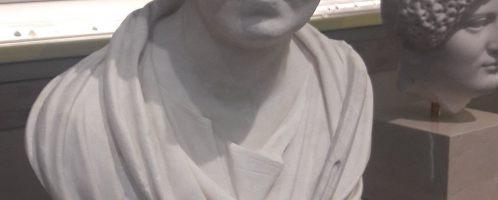Rzymskie marmurowe popiersie Rzymianki z warstw wyższych