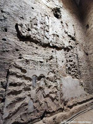 Fragment ruin drugiego patrycjuszowskiego domu pod bazyliką