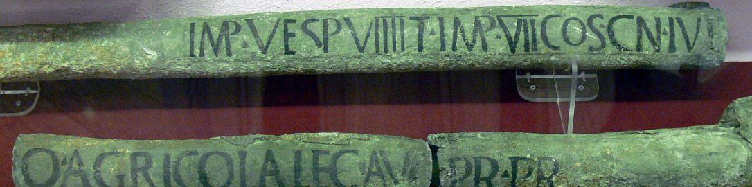 Rzymskie rury wodociągowe z inskrypcją potwierdzającą, że powstała za panowania Wespazjana (69-79 n.e.). Obiekt został znaleziony w Chester (Anglia).