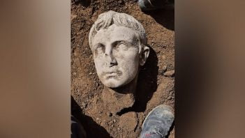 Discovered 2,000-year-old head of Emperor Augustus