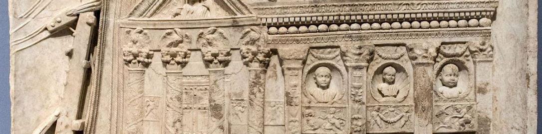 Rzymski relief ukazujący mężczyzn obsługujących dźwig